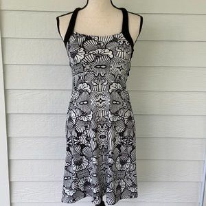 Soybu Athletic Dress Black White Strappy Bra Small